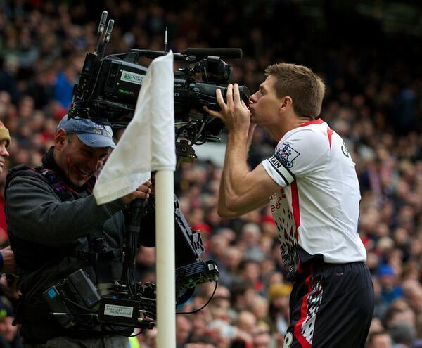 Cam kiss Gerrard