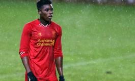 Sheyi Ojo i troppen til kveldens kamp mot Leicester